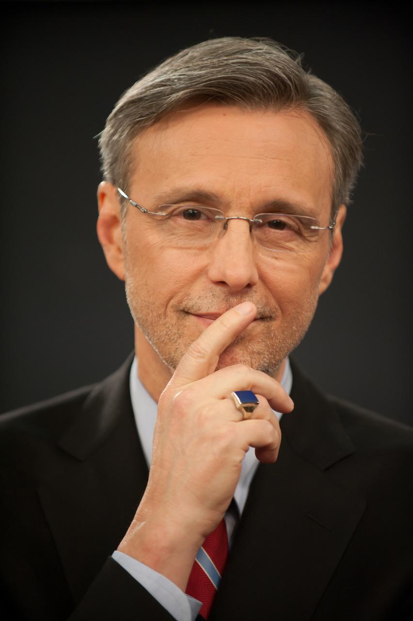 Thom Hartmann Headshot